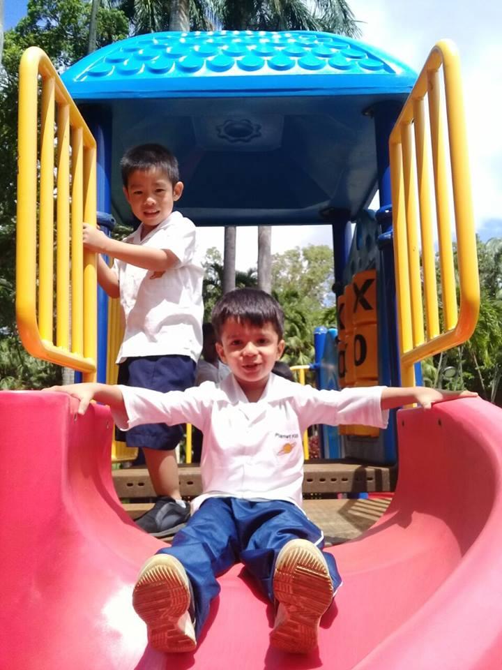 Kindergarten outing planet kids