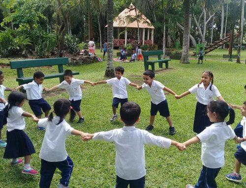 Field Trip at Balfour Garden for Kindergarten!