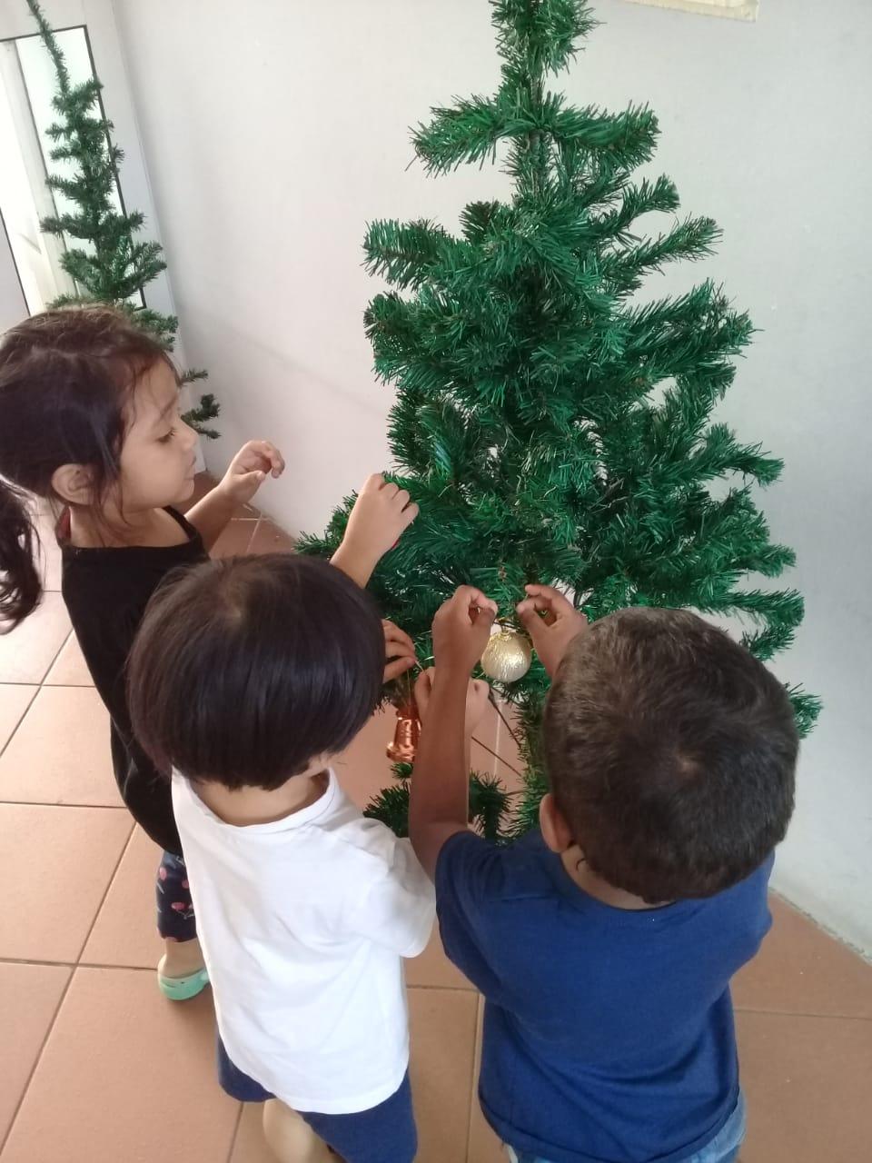 Christmas nursery 2019 08